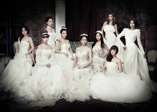 Snoop Dogg and Interscope Rookie Rapper Lil Play to Feature in SNSD's Maxi-Single
