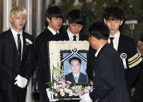 JYJ Fans Show Respect by Not Showing Up at Yoochun's Father's Funeral