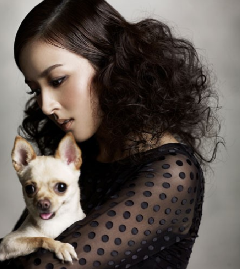 Han Hye Jin Poses for Ceci Magazine With Puppy