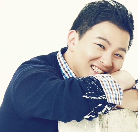 Huh Gak Is in a Serious Relationship But Denies Marriage Rumors