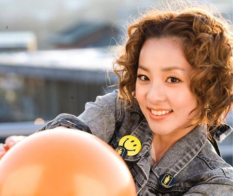 100 Faces of 2NE1 Sandara