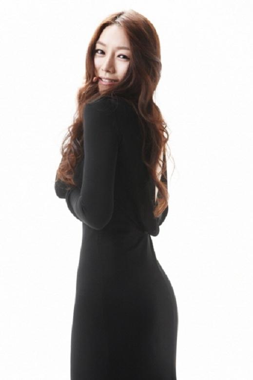 Debut Singer: Cha Ji Yeon and Her Glamorous Body