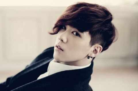"FT Island Lee Hong Ki Reveals, ""Plastic Surgeon Said I Didn't Need to Get Any Work Done"""