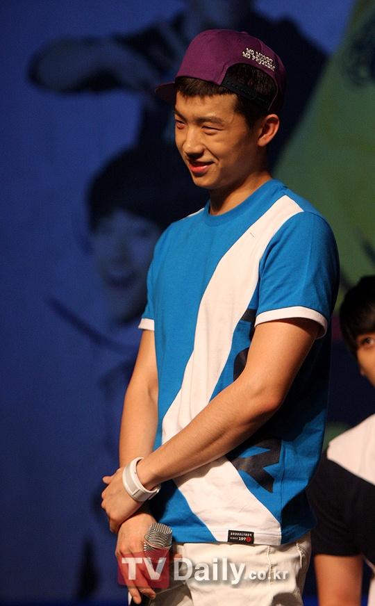 Spris Fanmeeting 04.10.10 (2PM & Kara)