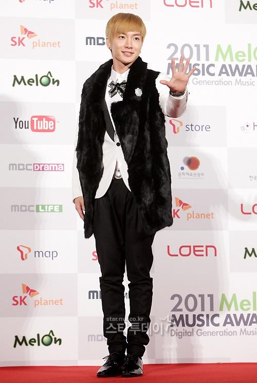 Super Junior's Lee Teuk Thanks Fans