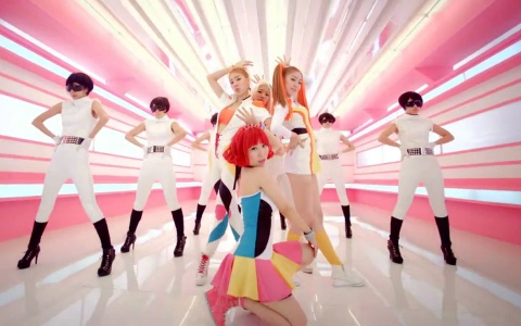 "STELLAR Releases Debut MV ""Rocket Girl"" Feat. Eric"
