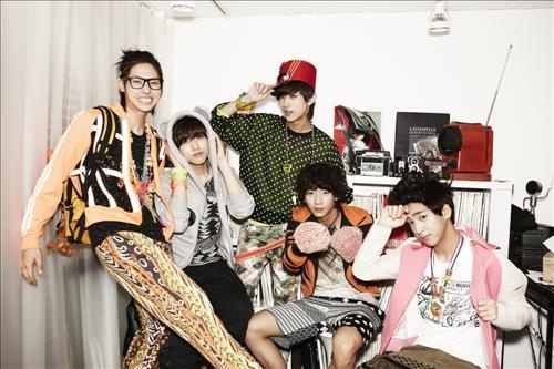 """B1A4 to Debut in Japan with """"Beautiful Target"""""""