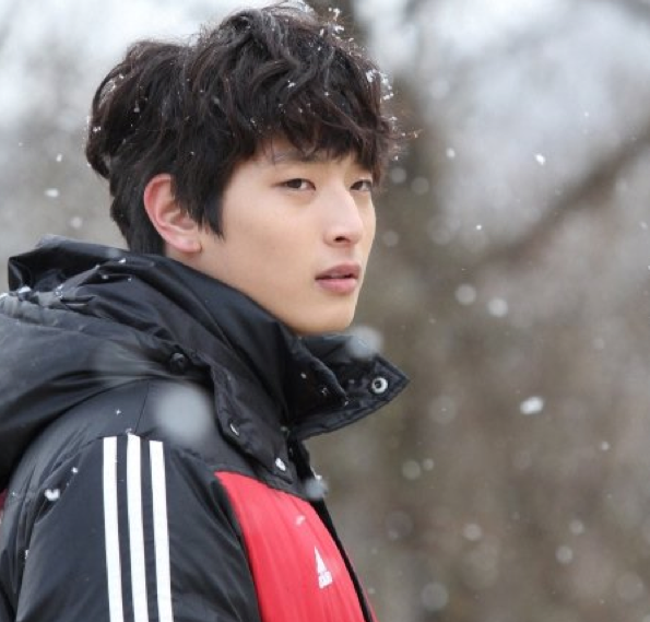 "2AM's Jinwoon Thanks ""Dream High 2"" Staff With Generous Gift"