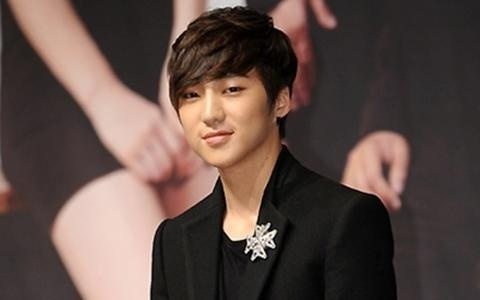 "YG Entertainment: ""Kang Seung Yoon to Debut in a Group Next Year"""