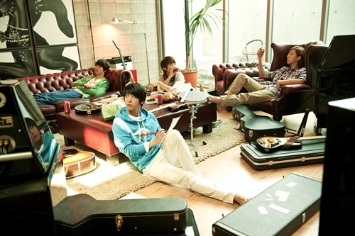 CN Blue Sells Out Japanese Concert