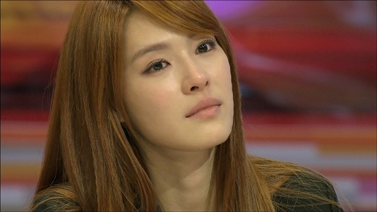 Kahi Cries Discussing Leadership Difficulties