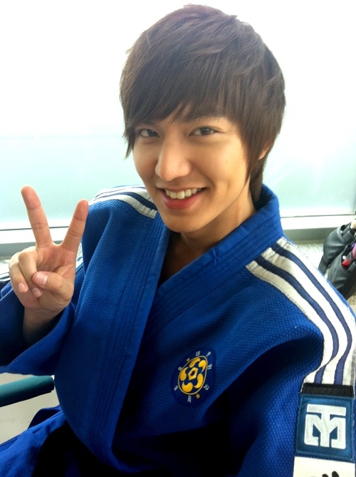 Lee Min Ho Selected as the Winner Actor of 2011 in China