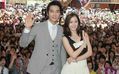 """Song Seung Hoon and Kim Tae Hee Promote """"My Princess"""" in Japan"""