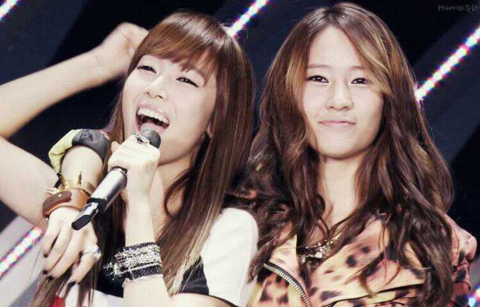 Girls' Generation Jessica Expresses Her Amazement at f(x) Krystal's Resemblance to Herself
