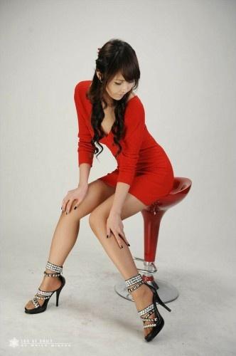 Tight Red Dress (Kang Yui)