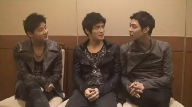 JYJ Updates Fans With a Video From Busan