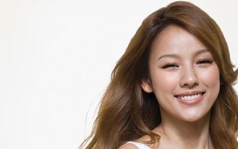 Lee Hyori Raises Nearly $24K USD in Six Hours