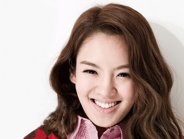Girls' Generation's Hyoyeon Looks Good in Non-Photoshopped Image