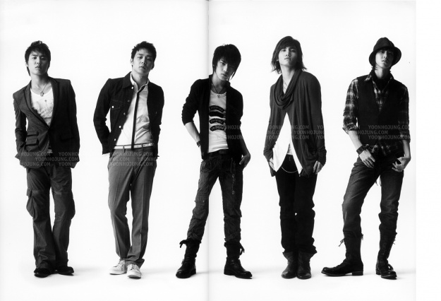 2nd Live Tour Five in the Black Photobook (2007) [TVXQ]