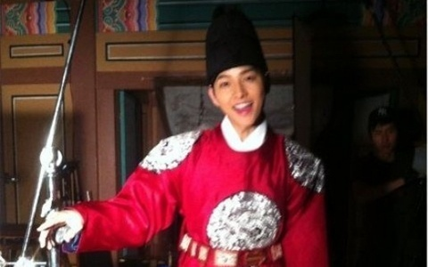 Song Joong Ki, Behind-the-Scenes as King Se Jong