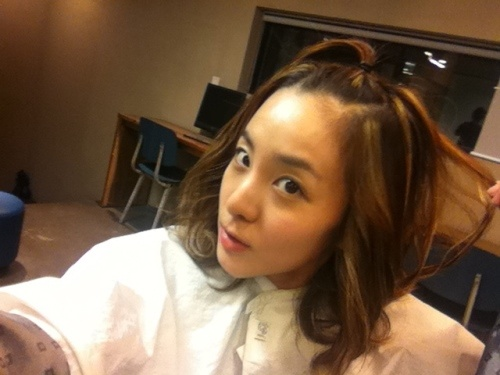 2NE1 Sandara Park with an Apple Haircut
