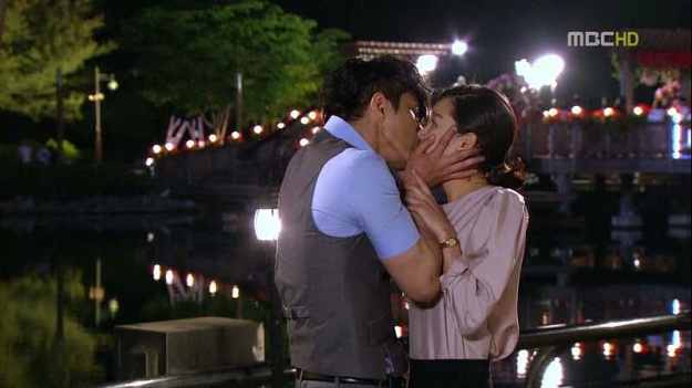 """The Greatest Love's"" Cha Seung Won's Surprise Kiss to Gong Hyo Jin"