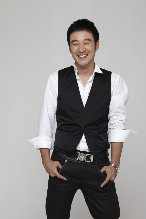 "Uhm Tae Woong Reveals His Thoughts on Returning to ""1 Night 2 Days Season 2"""