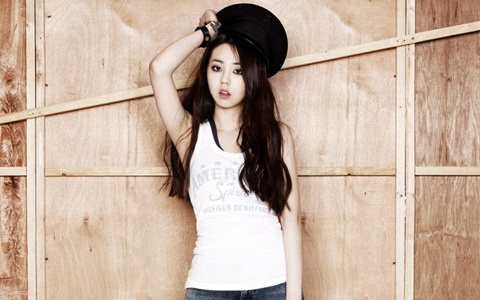 Wonder Girls' Sohee Is Chic in Black
