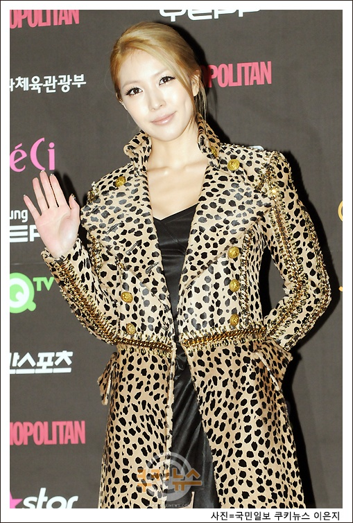 """BoA Joins JYP's Park Jin Young and YG's Yang Hyun Suk on Judging Panel of """"Survival Audition K-Pop Star"""""""