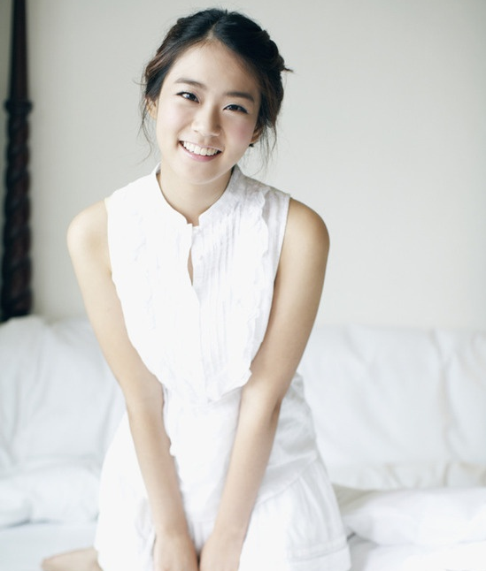 han-seung-young-quizzes-her-fans-with-a-selca-picture_image