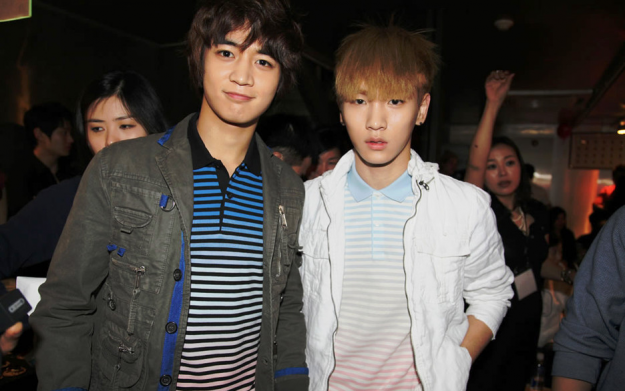 SHINee's Key and Minho Takes Selca Pictures at Paris