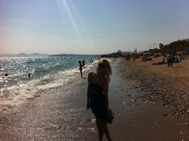 Wonder Girls' Yeeun & Yubin's Lovely Beach Shots