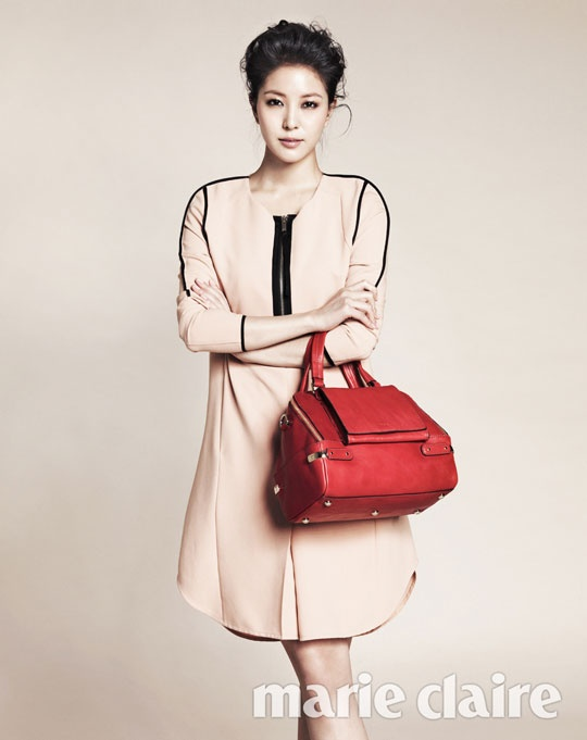 """BoA Looks Sophisticated and Mature for """"Marie Claire"""""""