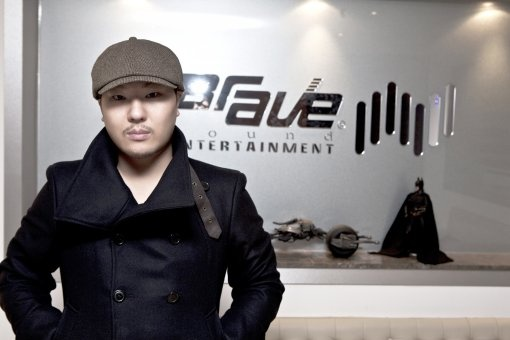 producer-brave-brothers-few-idol-singers-now-as-passionate-as-big-bangs-taeyang_image