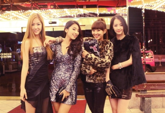 Stills from the Filming Set of SISTAR's New Music Video in Las Vegas