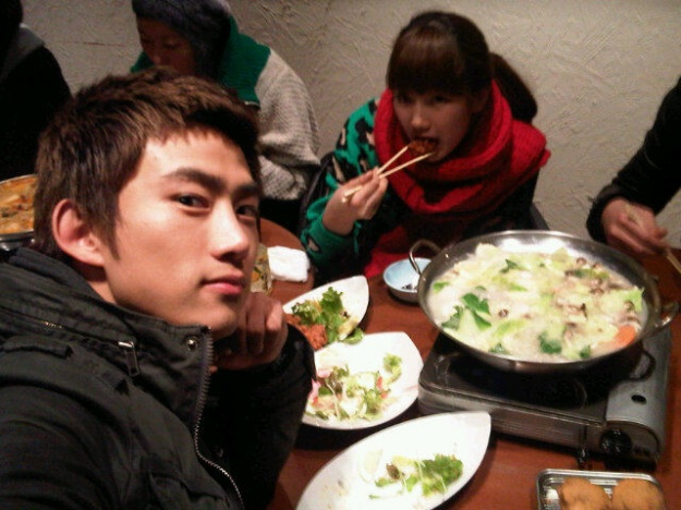 2PM's Taecyeon Tweets His Dinner with Miss A's Suzy