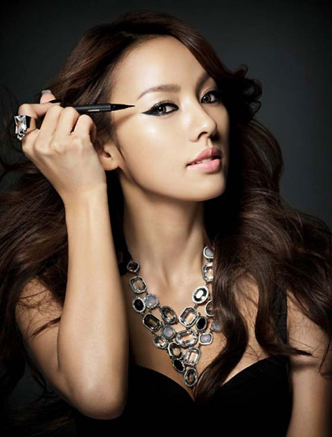 """Lee Hyori Responds, """"The Blemishes Were Not Because of My Vegetarian Diet"""""""