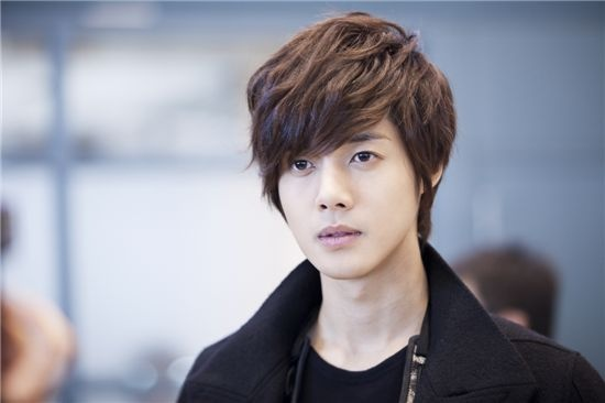 "Kim Hyun Joong to Skip Taiwan Promotions for ""Playful Kiss"""