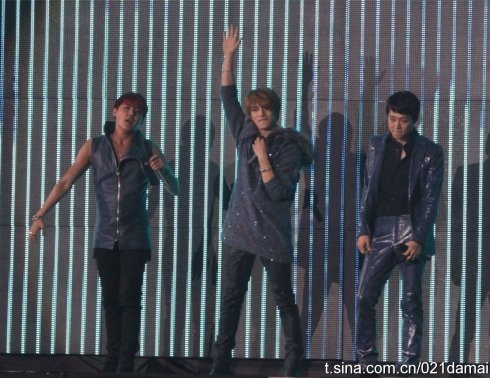 JYJ Continues Tour in Shanghai