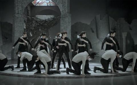 Shinhwa Makes Their Comeback Performances on Music Core