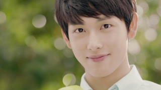 the-moon-that-embraces-the-suns-im-siwan-to-mc-2012-dream-concert_image