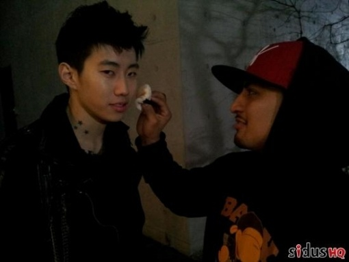 jay-park-transforms-into-a-vampire_image