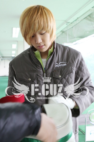 Playing Golf 04.01.10 (F.cuz's Yejun)