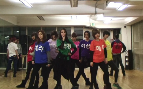 "9Muses Release Dance Practice Video for ""News"""