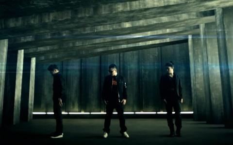 """Aziatix Releases Their MV For """"Cold"""""""