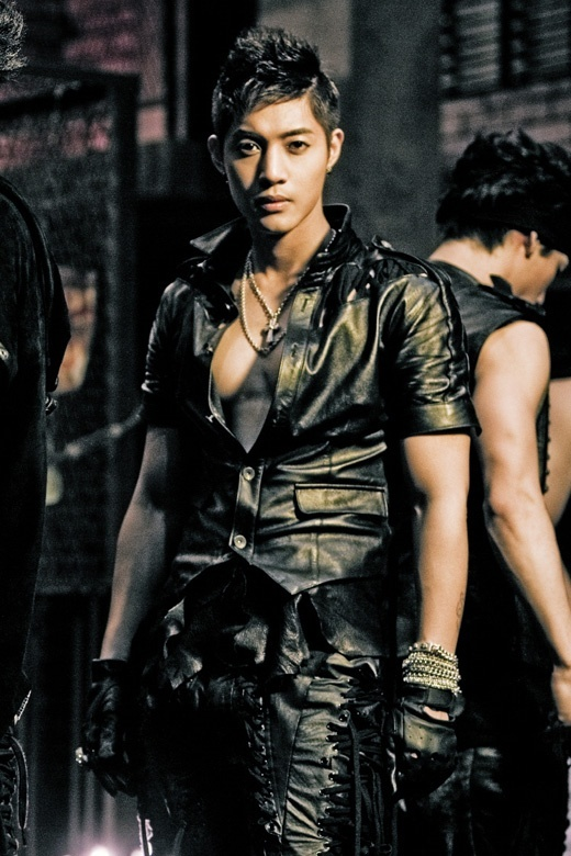 kim-hyun-joong-admits-to-plastic-surgery-for-first-time_image