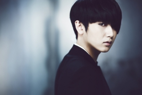 """Heo Young Saeng Releases Music Video for """"Crying"""""""