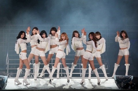 2011 GIRLS' GENERATION TOUR Coming to a City Near You This Summer!