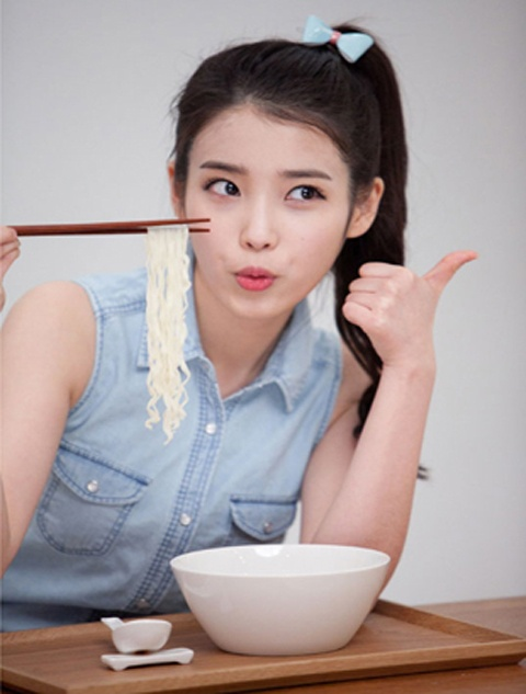 IU Slurps Down Five Bowls of Kal Gook Soo for Commercial