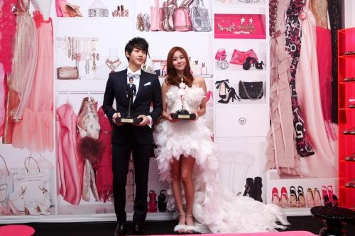 uee-and-song-joong-ki-as-barbie-and-ken_image